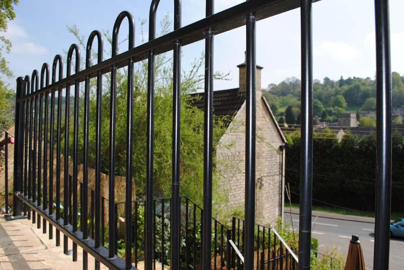 hoop-top-railings