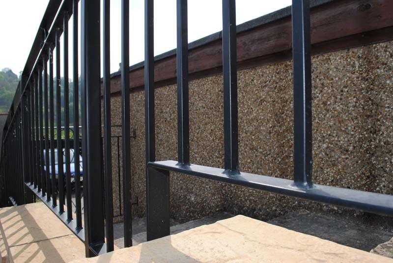 railings-stepped