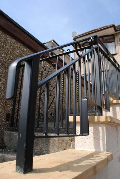 stepped-railings